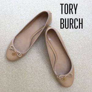 Tory Burch Chelsea Patent Charm Pump